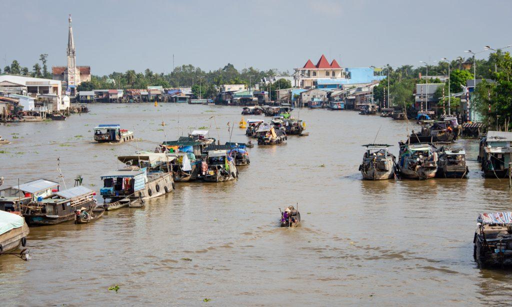 pływający targ południowy wietnam