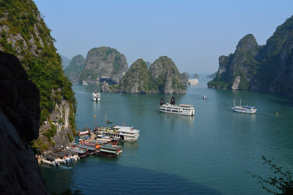 vietnam deluxe ha long bay